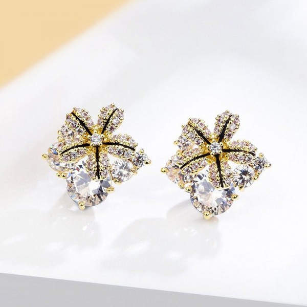 StarFlower Earrings made with Crystals from Swarovski®